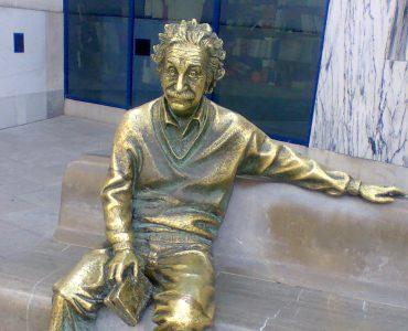 1 Einstein. Creative Commons
